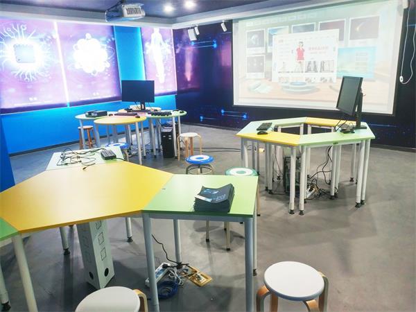 VR教室/虚拟现实智能教室解决方案
